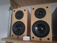 Ex Demo - Edwards Audio SP1 Speakers - Oak finish